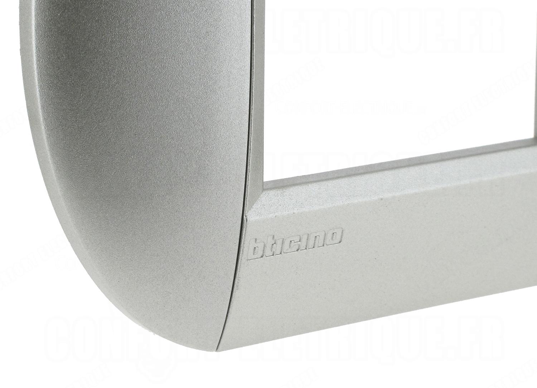 Plaque 2 modules bticino living light tech ronde 5 83 for Bticino living